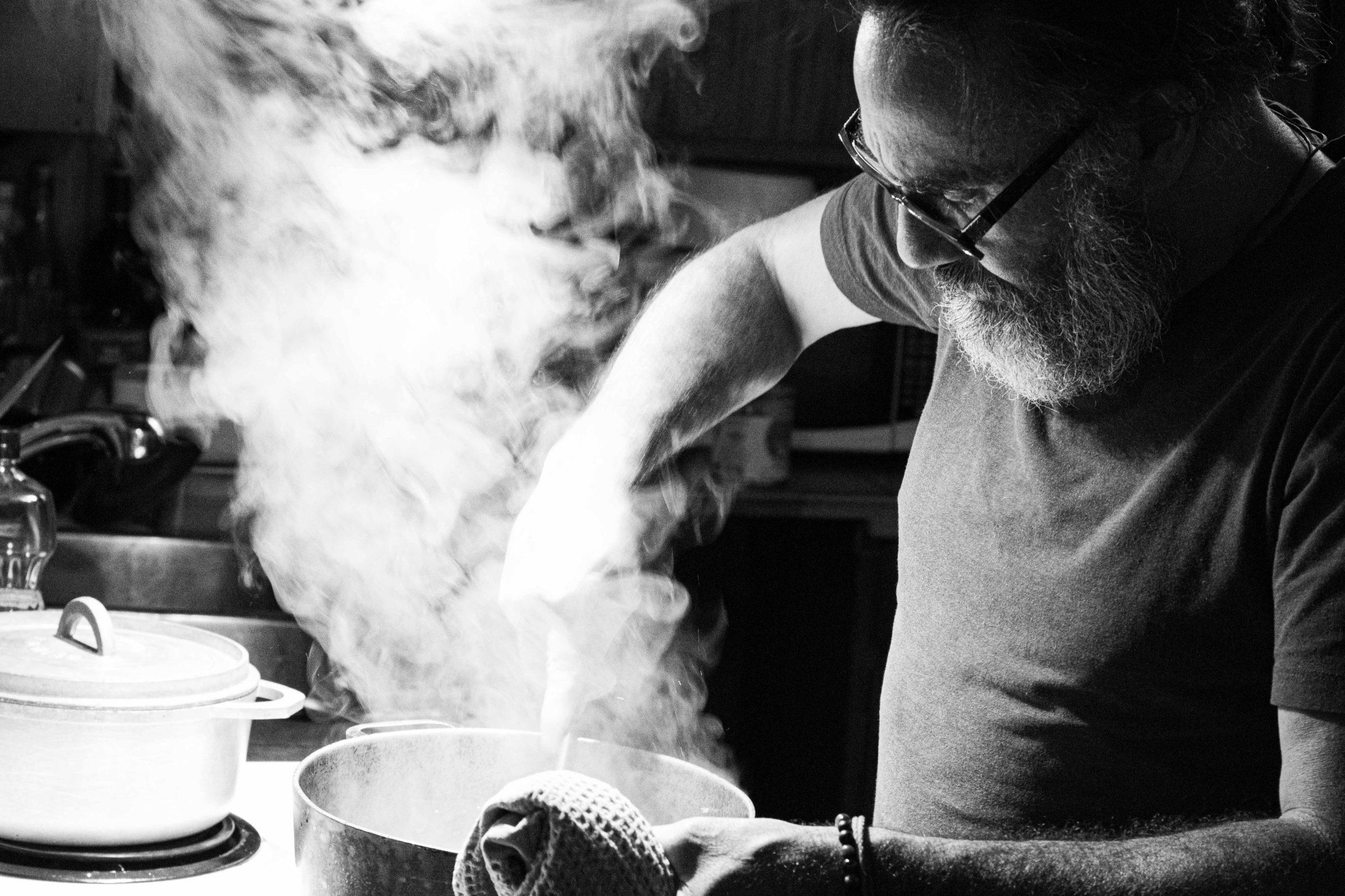 Chef Frédéric à la cuisine